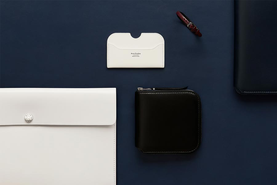 Acne-Studios-debuts-new-premium-small-leather-goods-02
